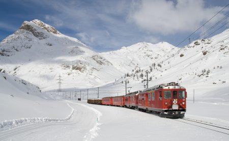 Berninabahn_zwischen_Lagalb_und_Ospizio_Bernina_im_Winter